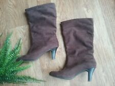 Clarks size 6 boots brown suede slouch look comfortable