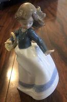 "Nao by Lladro Nina Alicia Porcelain 7"" Figurine Girl with Basket Box, Girl"
