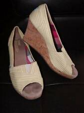~TOMS YELLOW TRENDY SPRING SUMMER PEEP TOE WEDGES SIZE 8 EUC!