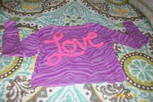 GIRLS  BLOUSE JUSTICE SIZE 6 LONG SLEEVES PURPLE SAYS LOVE ON FRONT