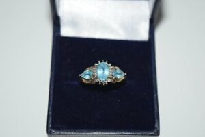 9ct Yellow Gold Ice Blue & Diamond Cluster Ring