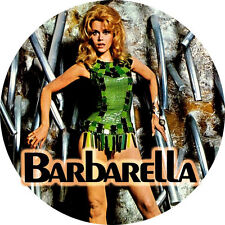 CHAPA/BADGE BARBARELLA . pin button jane fonda roger vadim anita pallenberg