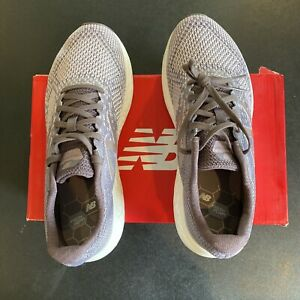 Women's New Balance Wrisecs Running Shoes 8