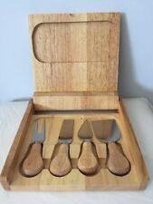 Facile Vie en bois Fromage BOARD/Boîte (Inc 4 couteaux & verre à découper Board) Italien