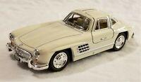 Kinsmart - 1:36 Scale Model 1954 Mercedes-Benz 300SL Cream (BBKT5346DC)