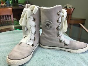 Converse Chuck Taylor All-Star Beverly Ivory Suede Lace-up Boots, Size 7M NICE!