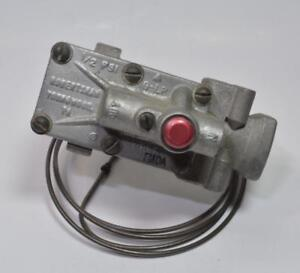 NEW Robertshaw 4020-? Model FMDA Gas Oven Safety Valve 76208 no box see pictures