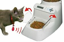 Puts Multiple Pets on Separate Diets. Automatic Cat & Dog Feeder