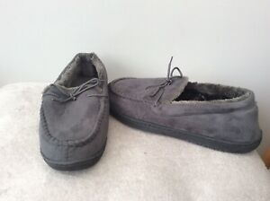 Mens slippers size 10 New without tags