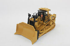 Cat D9t Track Type Tractor 1 50 Model Diecast Masters