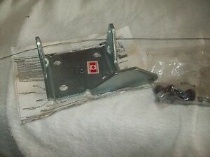 12475678 Door Hinge Kit Right Hand lower Front NOS GM