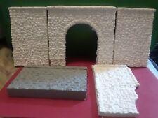 HO Scale Woodland Senics/ Chooch Lot of Ceramic Pieces. (5pcs)