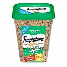 TEMPTATIONS Classic Treats for Cats Seafood Medley Flavor 16 Ounces (Pack of 4)