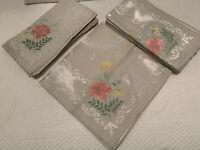 NWOT 10 DAMASK High Sheen Dinner Napkins with Floral Corners