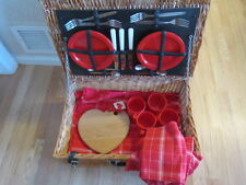 Vintage Wicker Picnic Basket Service for 4 MADE IN ENGLAND Plates, Tablecloth