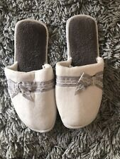 BN Ladies Cream & Grey Slip On Slippers With Lace Detail Size 3/4