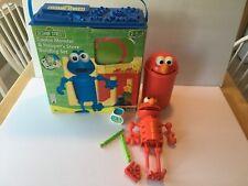 Sesame Street Kid K'NEX Cookie Monster & Hoopster's Store Bldg Set + Elmo in Can
