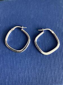 375 9ct White Gold Hoop/Square Earrings