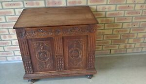 Antique Oak Wooden Storage Cabinet - Pickup Only - (4.500)