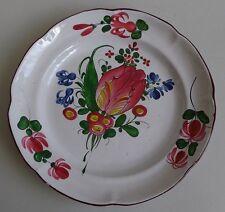 Lunéville ou Les Islettes. Assiette en faïence à décor d'une tulipe, XIXe siècle