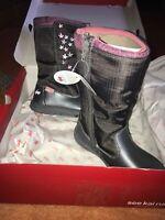 See Kai Run Hallie Waterproof Dark Gray Pink Accents Flower Boots Girls Sz 11.5