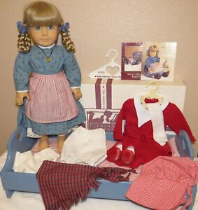VINTAGE AMERICAN GIRL KIRSTEN DOLL WITH BED, EXTRAS & ORIGINAL BED BOX