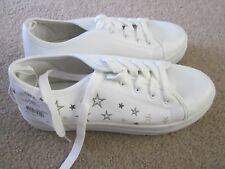 NEW Women's Beige White sneakers size 6