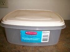 New listing Rubbermaid #4 Servin' Saver 19 Cup Square Storage Container Almond Lid