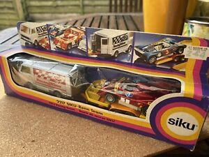 Siku 2217 Renn Racing Team 1/55 Scale 1984 VW LT28, trailer, McLaren M8F
