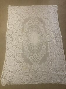 """Vintage QUAKER LACE Ivory Tablecloth 40"""" x 59"""" AS IS"""