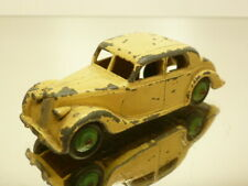 DINKY TOYS 40a RILEY SALOON - CREME + GREEN HUBS 1:43 - GOOD CONDITION