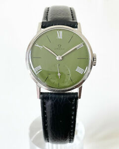 1945 OMEGA SUB SECONDS GREEN ROMAN NUMERAL DIAL CAL. 30T2PC REF. 2214/3