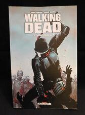 """BD The Walking Dead """" Monstrueux """" Tome 5 ( réédition comme neuf )"""