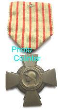 Croix du  Combattant -  Bronze - belle patine ancienne - 14-18 / 39-45