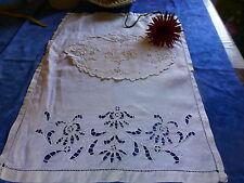 fil de lin ,fait main  broderie richeleu et festons ,napperon et futur rideau
