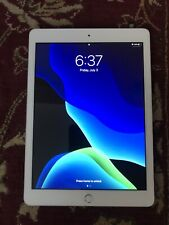 Apple iPad 6th Gen. 32GB, Wi-Fi, 9.7in - White MR7G2LL/A GREAT CONDITION