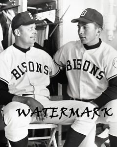 1966 HOF Johnny Bench Buffalo Bison Black & White 8 X 10 Photo Picture