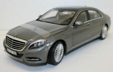 Limousines miniatures gris 1:18