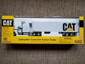 Norscot CAT 2001 Caterpillar Corporate Tractor Trailer 1:64 Diecast 55078 Mint