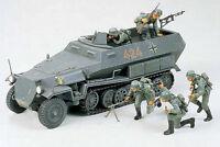 Tamiya Model kit 1/35 German Hanomag SdKfz.251/1 Armoured Half-track