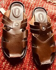BATA  MENS BROWN SLIP ON SLIDES  TOE POST CASUALLY SANDAL SIZE 7