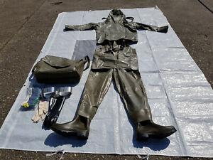 Bundeswehr ABC Schutzanzug Gummianzug Ganzkörperanzug Latzhose Gr.1 + Stiefel 45