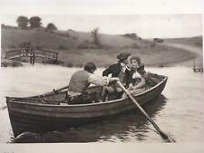 "Edmund Leighton 1897 mano firmado Stern Chase es largo Chase Fotograbado 38""x27"""