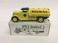 ERTL 1931 INTERNATIONAL SIGNAL OIL & GAS TANKER BANK NEW NIB E842