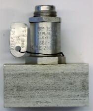 """Teledyne valve 680-202, 1/4 porte"""". NOS"""