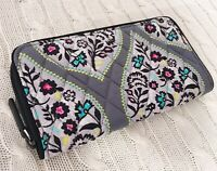 Vera Bradley RFID Georgia Wallet Heritage Leaf Gray Exact Item NWT MSRP $48