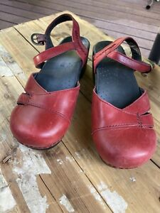 Dansko Red Leather Clogs Ankle Buckle Size 40 9 10
