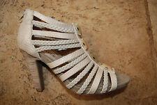 Tan Beige Open Toe Strappy Rear Zip JEFFREY TYLER Heels w/Decorative Accents 8