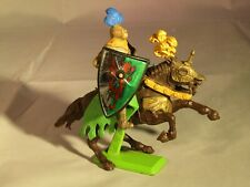 BRITAINS KNIGHT ON HORSEBACK WITH SWORD - 1971