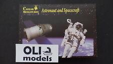1/72 Astronauts (3) & Spacecraft (2) FIGURES SET - Caesar HB22